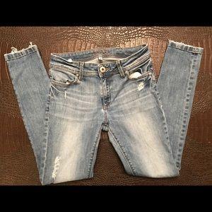 28 waist DL1961 Emma legging fit distressed jean